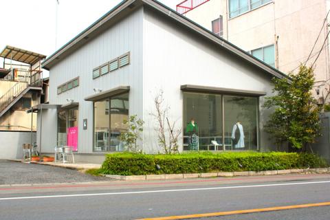 Binは、富士重工さんの西隣にあります。